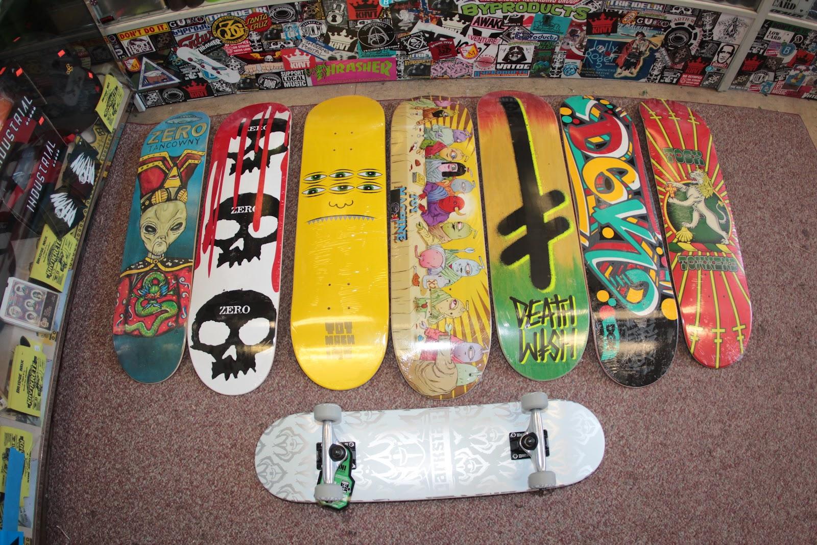 Jolly Roger Skateboards: August 2012