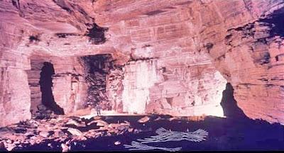 Interno Cueva de los Tajos