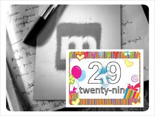 logo musicland con penna sopra un diario aperto