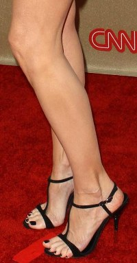 Mary Louise Parker Feet and Legs