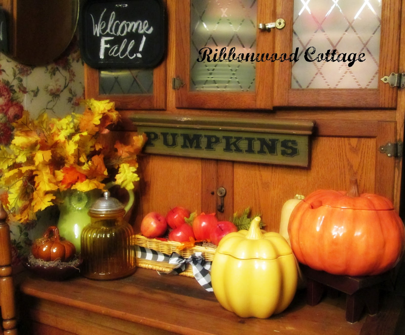 Fall in the Dining Room and Kitchen!
