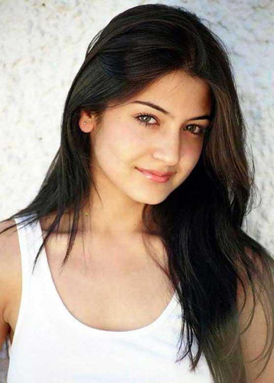 Anushka Sharma Super Six Images of the Year 2013   Pakistan Six Hits