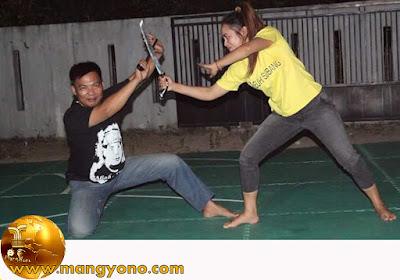 Lurah Cigadung Yuli Merdekawati pencak silat di PAGURON CIUNG WANARA. Subang