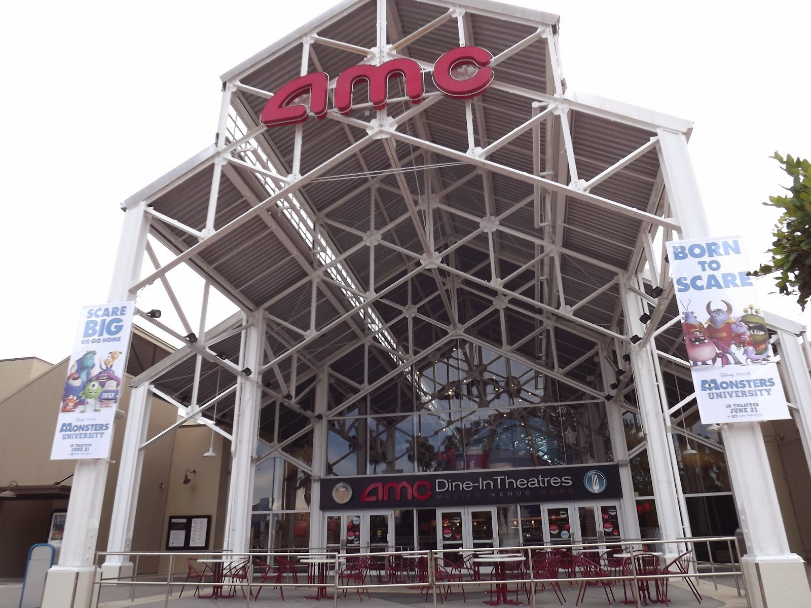 a personal narrative about the experience of going to an amc movie theatre Public accommodations with movie theater auditoriums showing digital movies on december 2, 2016 must comply with the rule's requirement to provide closed movie captioning and audio description in such auditoriums by june 2, 2018.