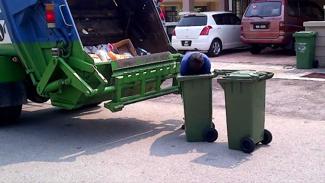 """""""Waste"""" that we can throw into our dustbin / garbage bin"""