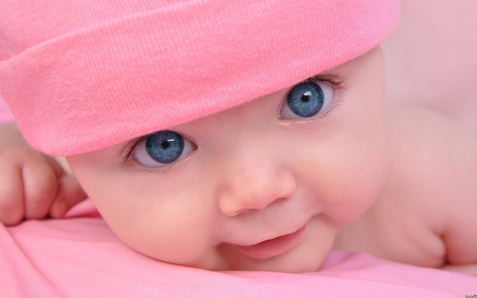 у маленького ребенка одна грудь больше: