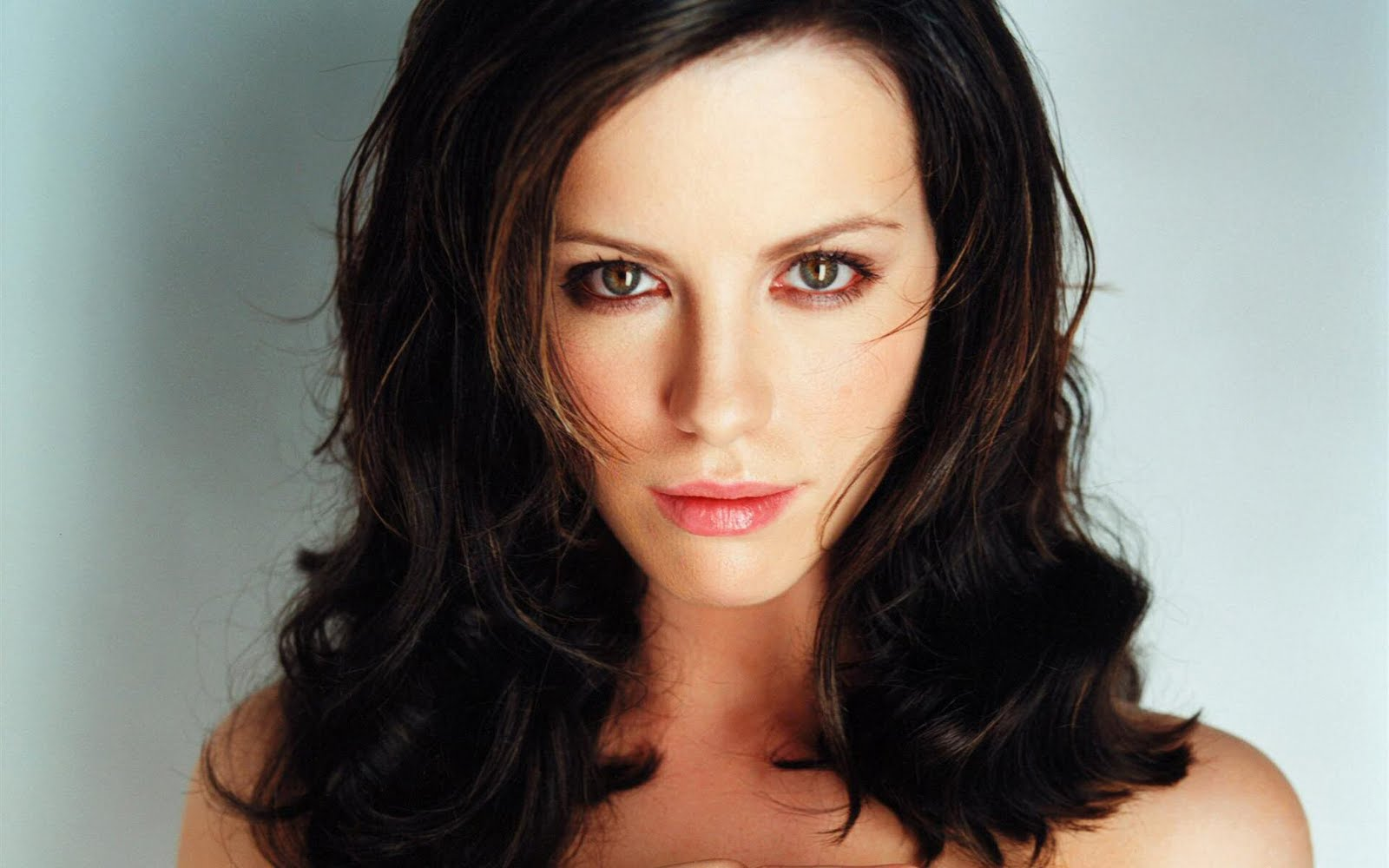 http://3.bp.blogspot.com/-BGtgJ85HFig/TlUq0uqSLtI/AAAAAAAAACg/APXeE-ew2kc/s1600/Kate-Beckinsale-21.jpg