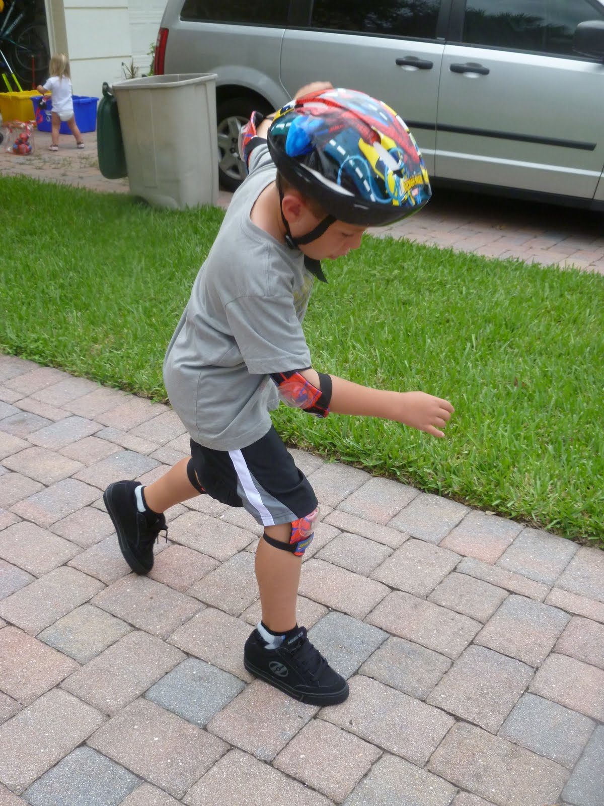 Heely skate shoes reviews - It Does Take Sometime To Get The Hang Of How To Skate My Son Really Enjoys Skating In His Heelys He Wants To Wear Them Everywhere