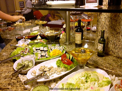 Rincão Grill: BUffet de Saladas e Sushis