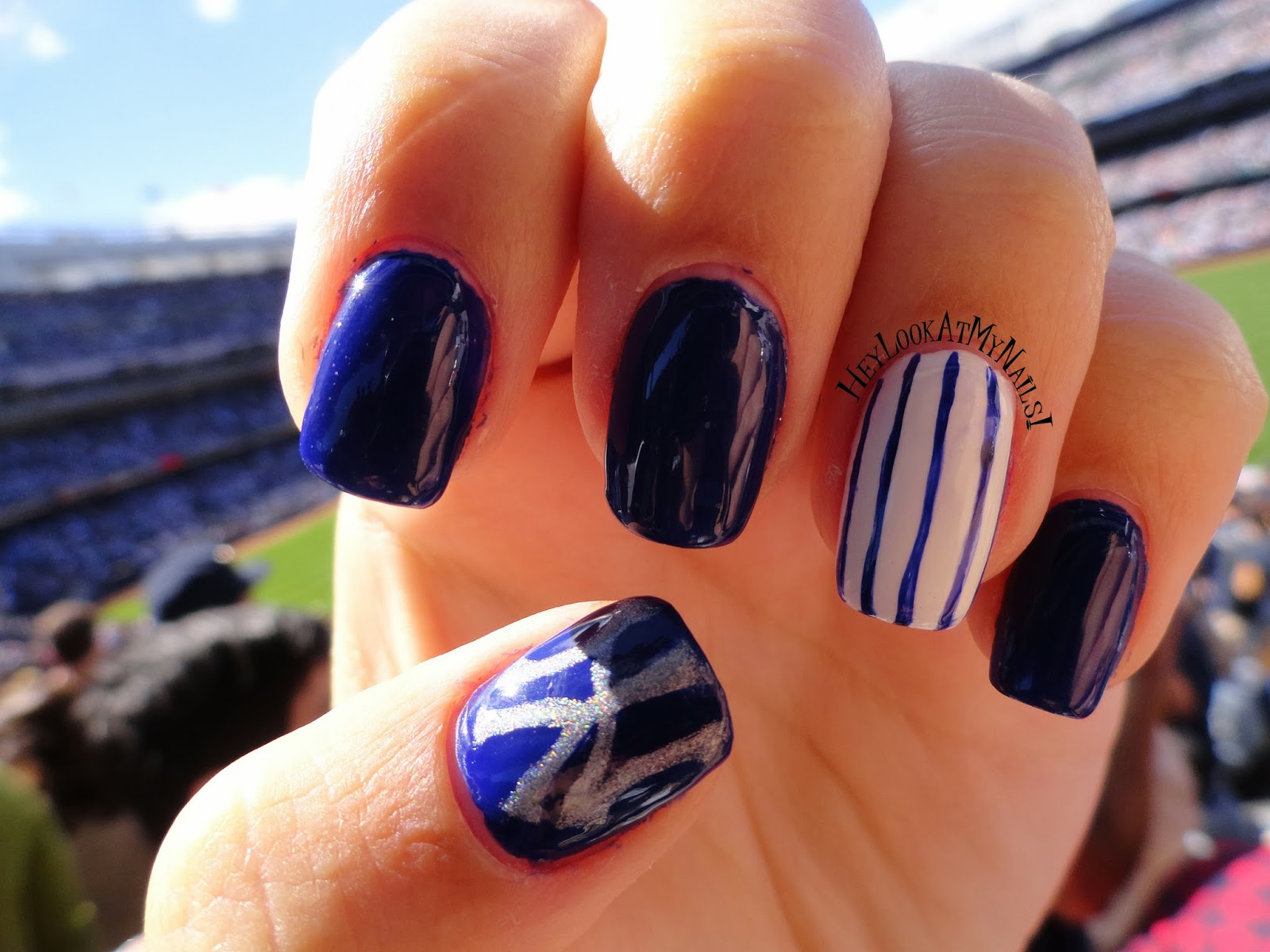 Hey, Look At My Nails!: Happy Fall! New York Yankees Nail Art