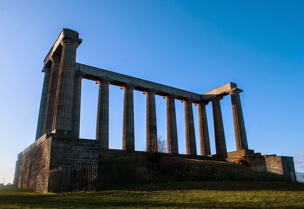unfinished structure greece calton hill edinburgh