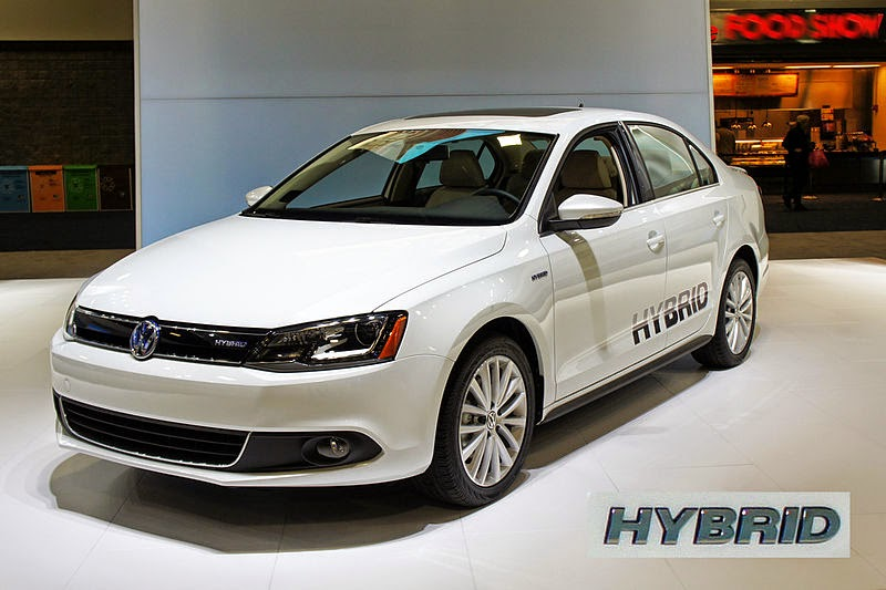 800px VW_Jetta_Hybrid_with_badge_WAS_2012_0711 automotive database volkswagen jetta VW Jetta 2.0 Engine Diagram at creativeand.co
