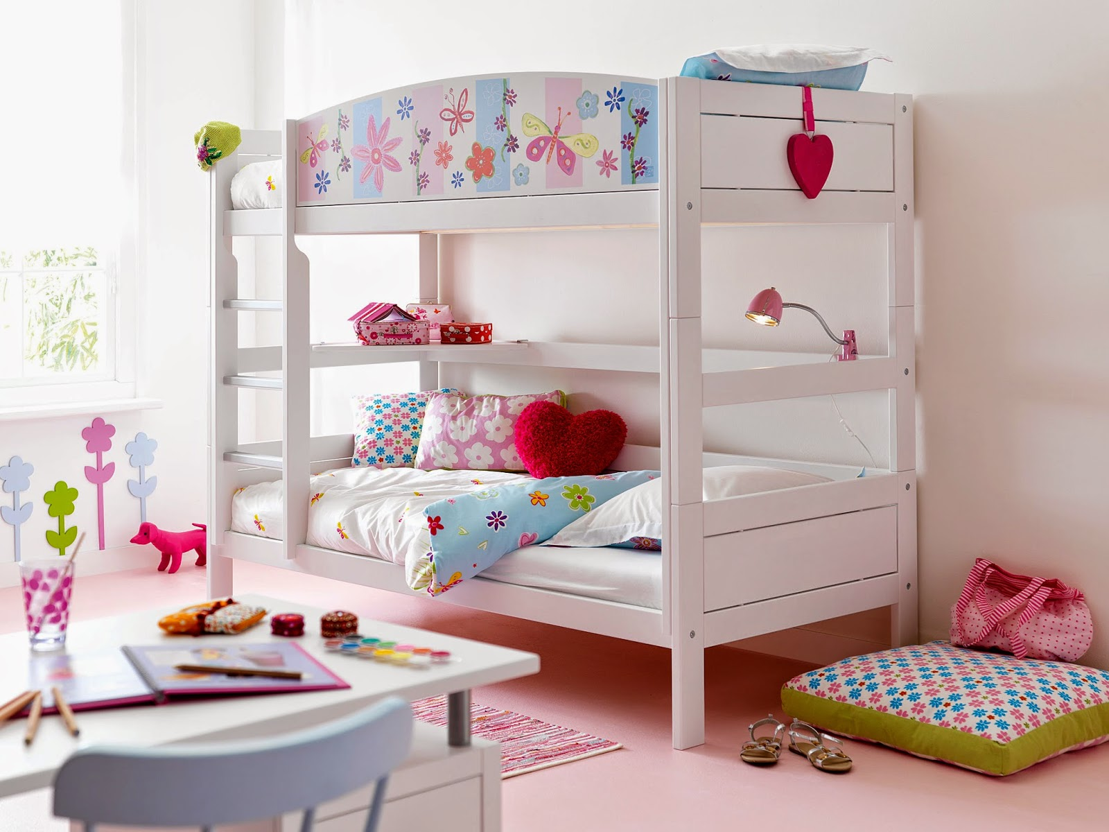 http://www.portobellostreet.es/mueble/27855/Litera-Infantil-Flores