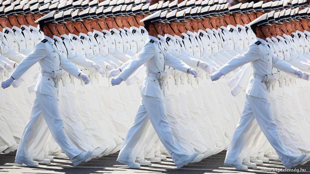 Soldados em perfeita sincronia