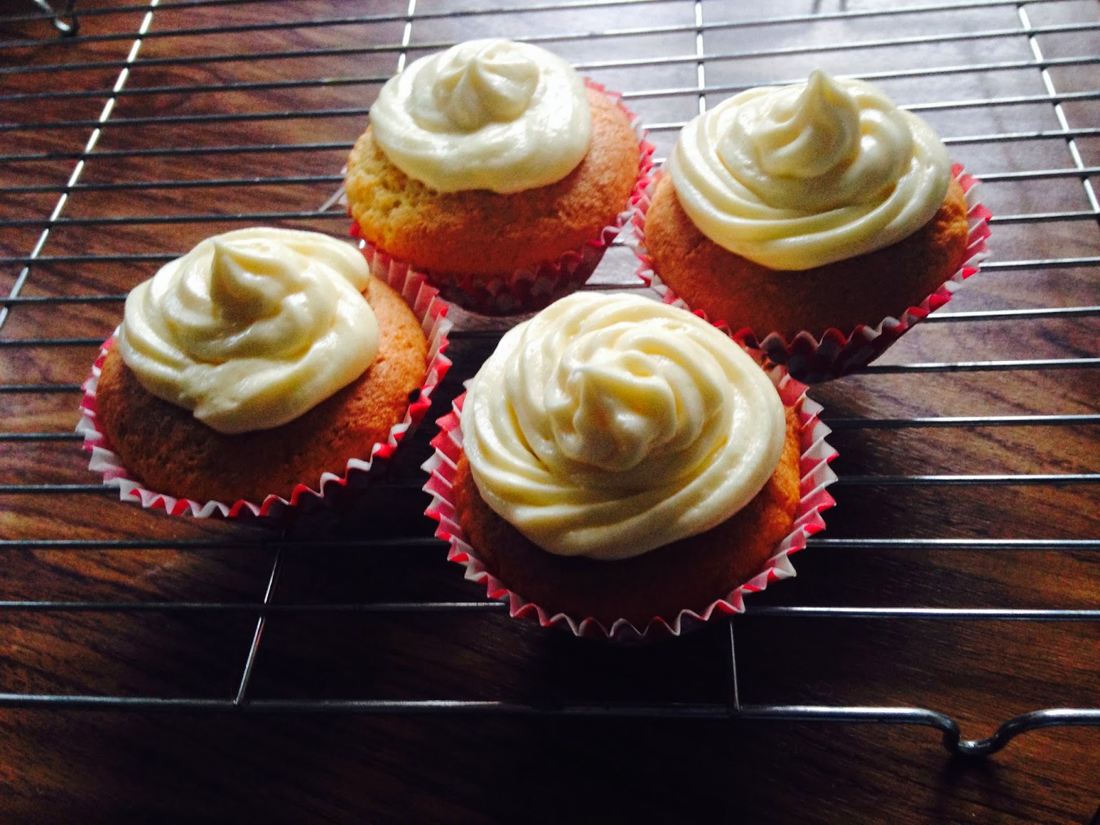 British Summertime Treats – Victoria Sponge Cupcakes