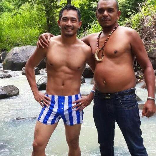 yama carlos shirtless sixpack