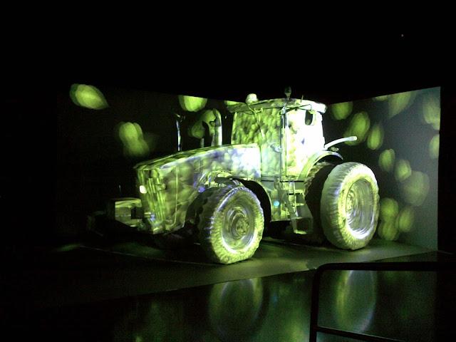 John Deere 2014 8R Tractor