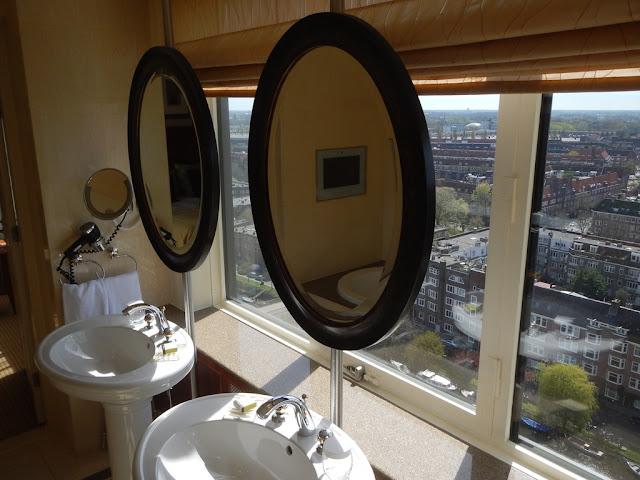 Okura Hotel Amsterdam bathroom