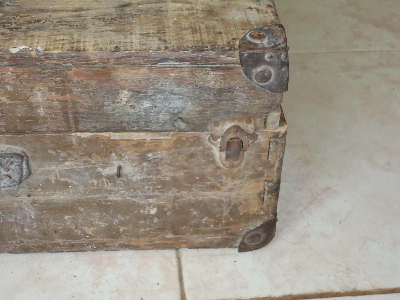 Restaurange maleta muy antigua - Tratar la carcoma ...
