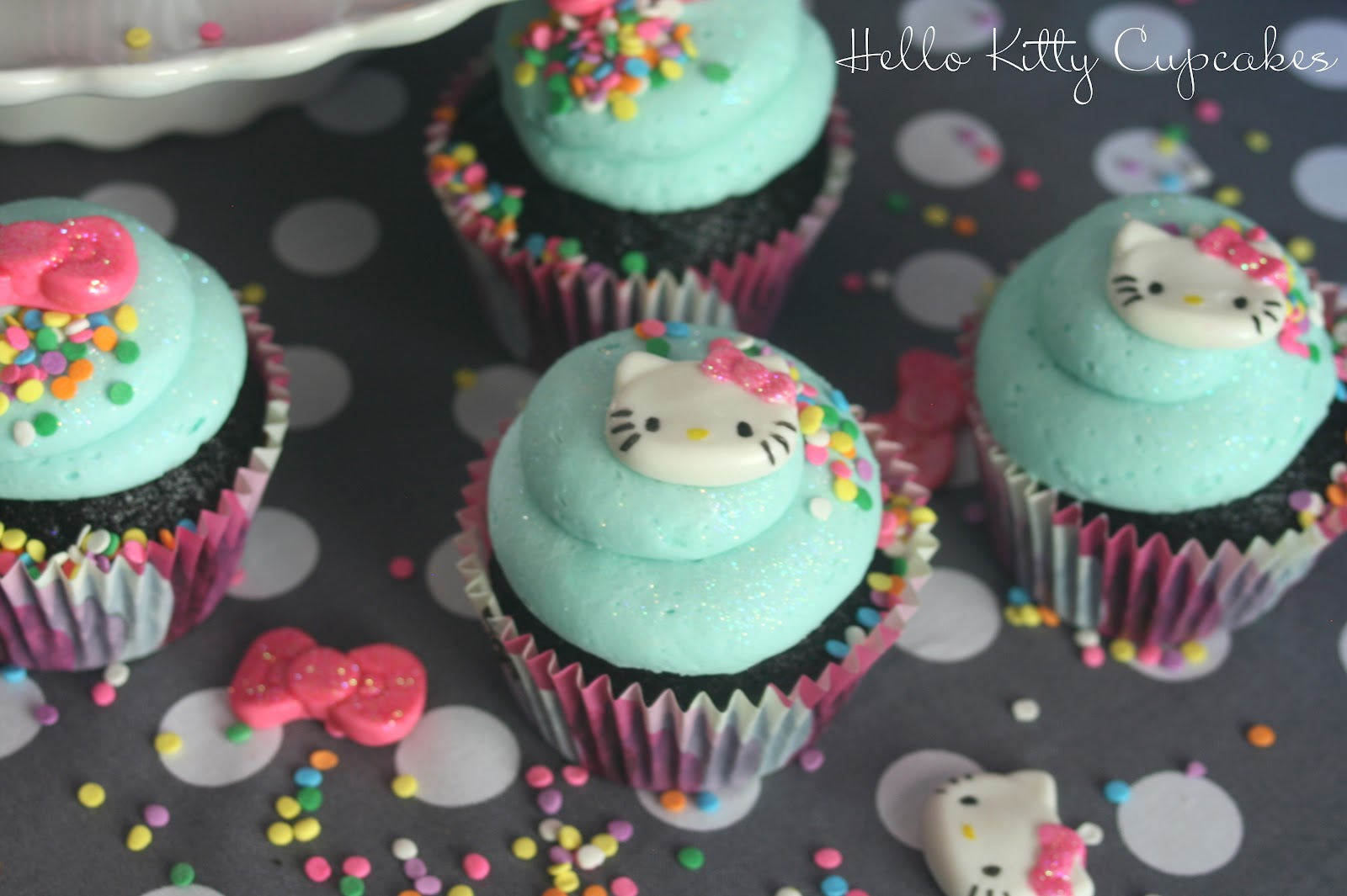 hello kitty birthday cupcakes
