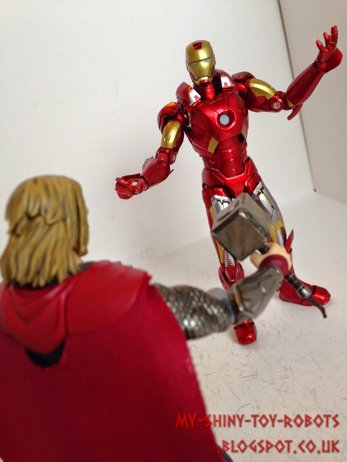 Iron Man vs Thor