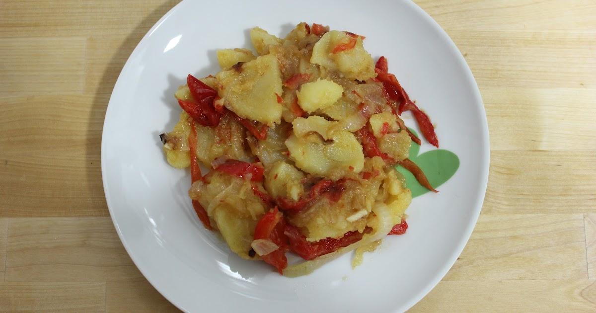 Alrededor de la cocina patatas a lo pobre con pimiento for Cocinar patatas a lo pobre
