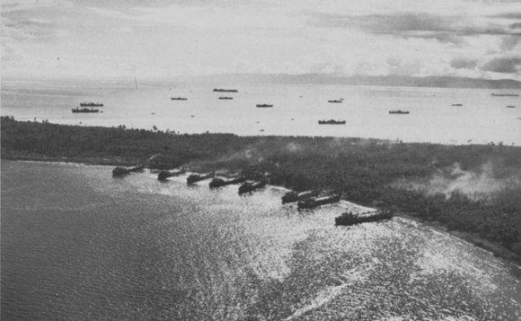 Armada perang AS di Morotai