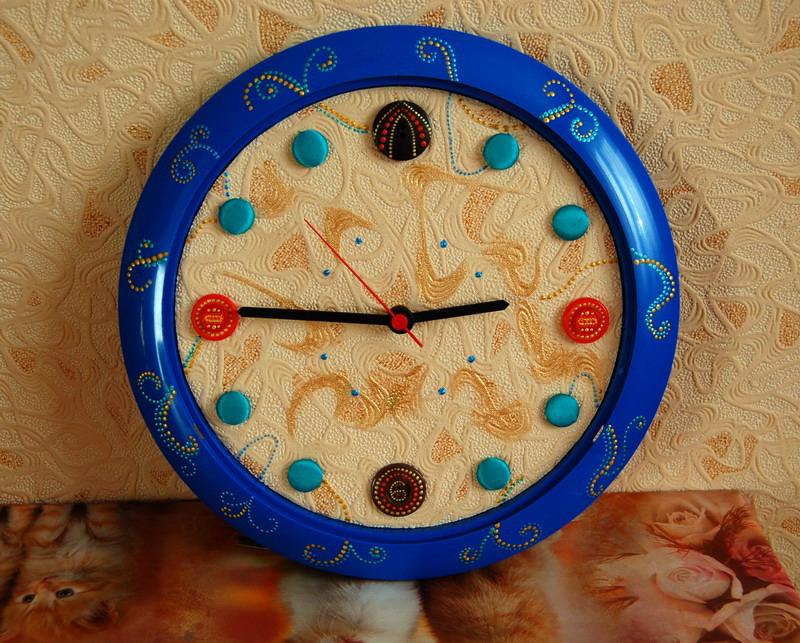Часы из пуговиц своими руками 56