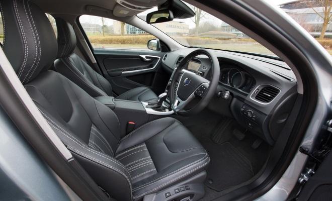 Volvo V60 PHEV plug-in hybrid front interior