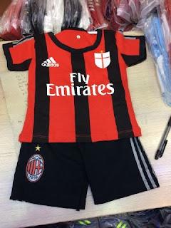 gambar desain terbaru setelan bayi ac milan home terbaru gambar foto photo kamera Jersey setelan bayi Ac Milan home terbaru musim 2015/2016 di enkosa sport toko online terperacaya di tanah abang