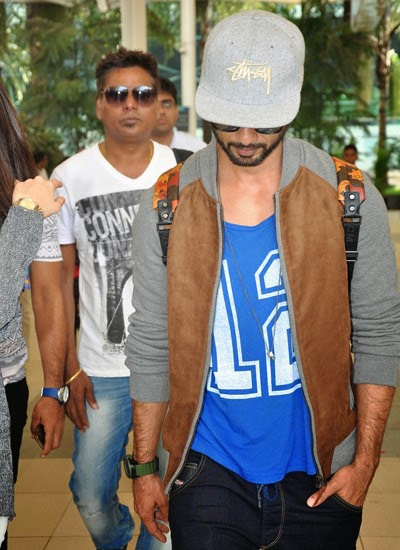 Shraddha Kapoor & Shahid Kapoor snapped at the airport