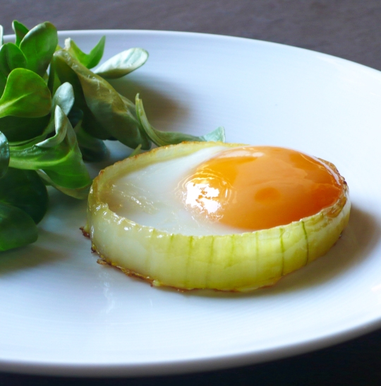 Burczymiwbrzuchu śniadanie Do łóżka 40 Jajko Sadzone W Cebuli