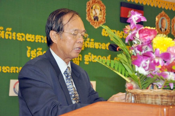 Trâm Iv Tek, ministre des Travaux publics et des Transports