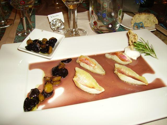 Rougets au vin rouge et compotée d'olives
