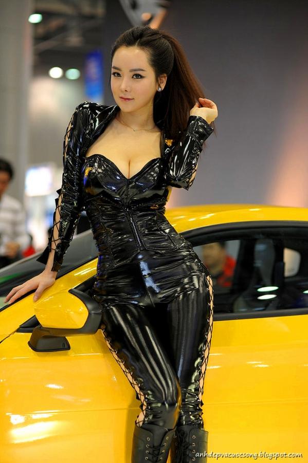 Ảnh Người mẫu xe xinh đẹp 2