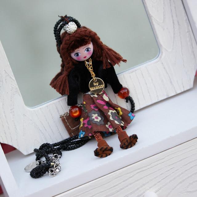 le briciole collana con bambolina