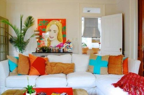 sofa con cojines