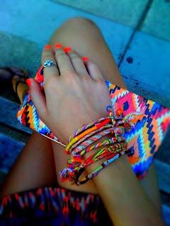Renkli Bileklikler )