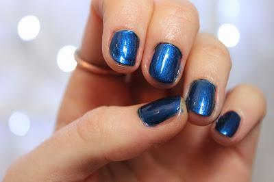 opi-blue-nail-polish opi-blue-nail-polish-swatch