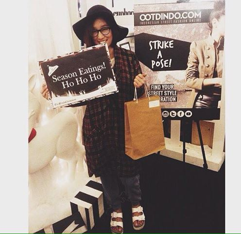 "1st winner of #blackchristmasootd ""MEET MARKET"" i love bazaar jakarta"
