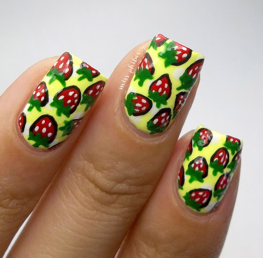 Strawberries nail art