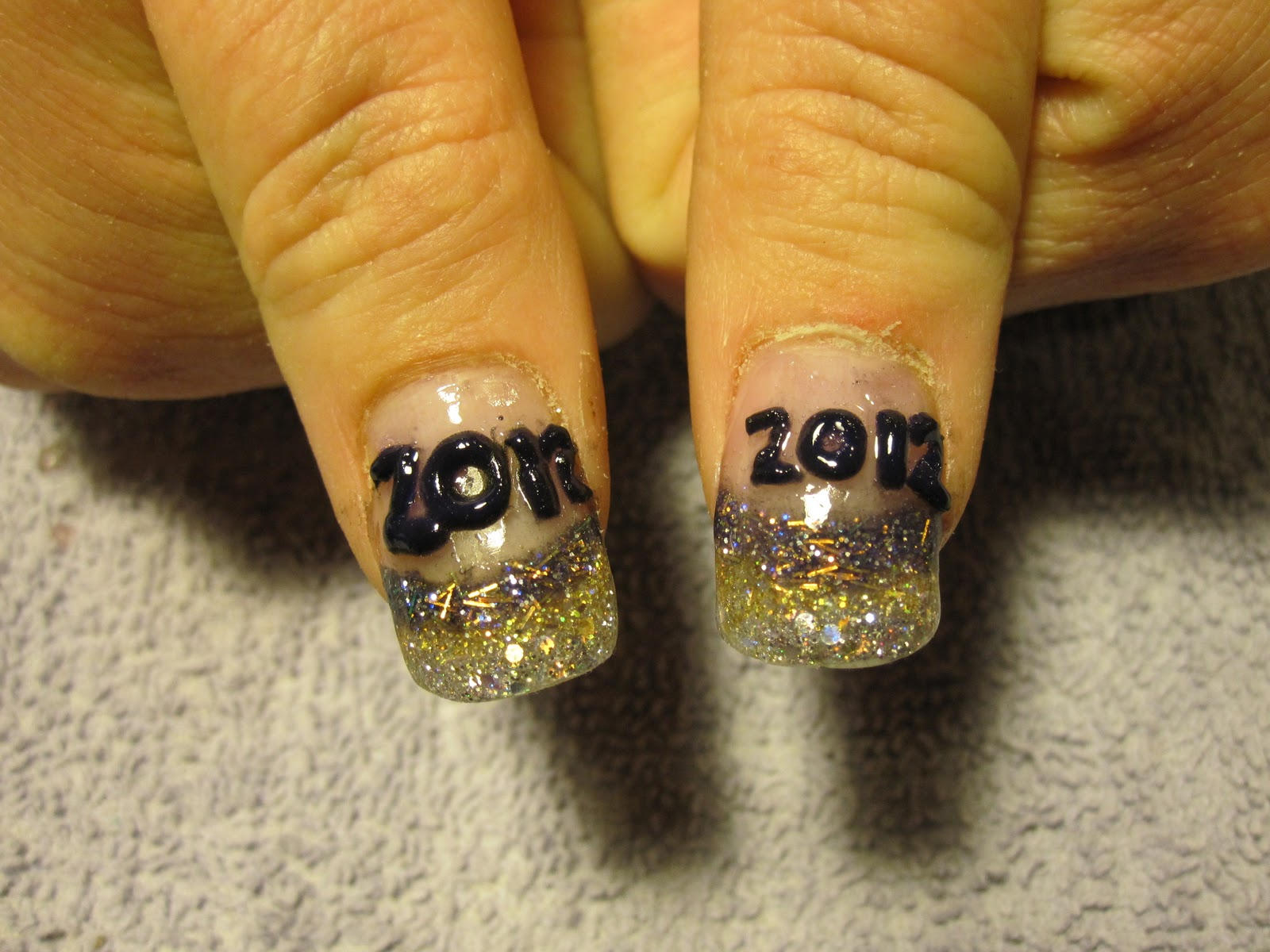 Nail Art Las Vegas: NEW YEARS EVE NAILS.......