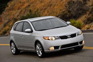 2012-Kia-Forte-5-Door-Hatchback-road