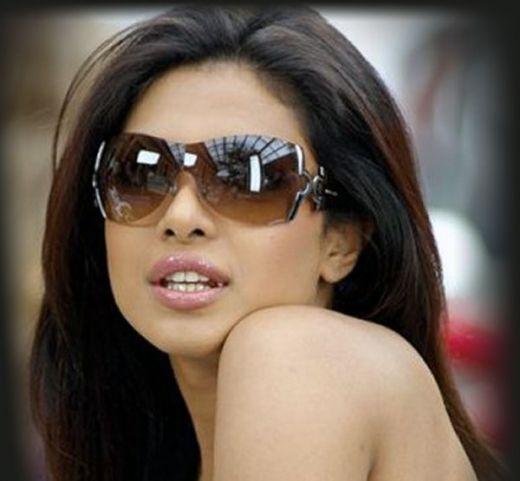 Priyanka Chopra-Famous Bollywood Actress
