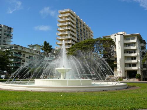 best luxury hotels honolulu