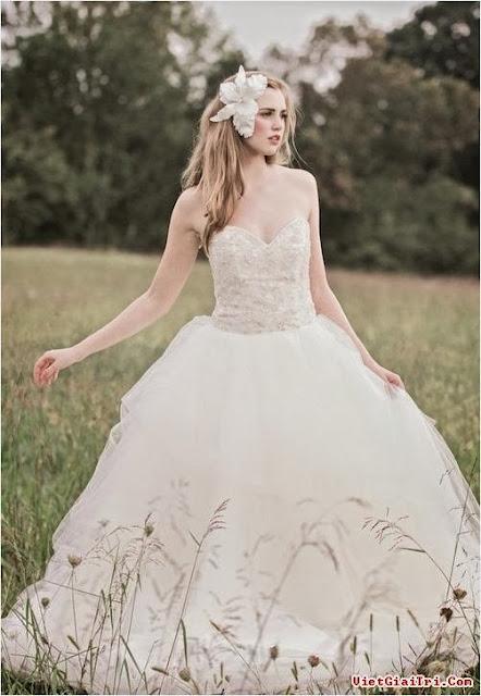 chọn váy cưới cho cô dâu nấm lùn