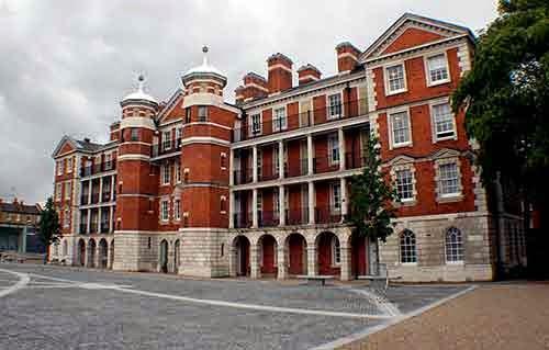 Patrick and Kelly Lynch Scholarship, University of the Arts London, UK