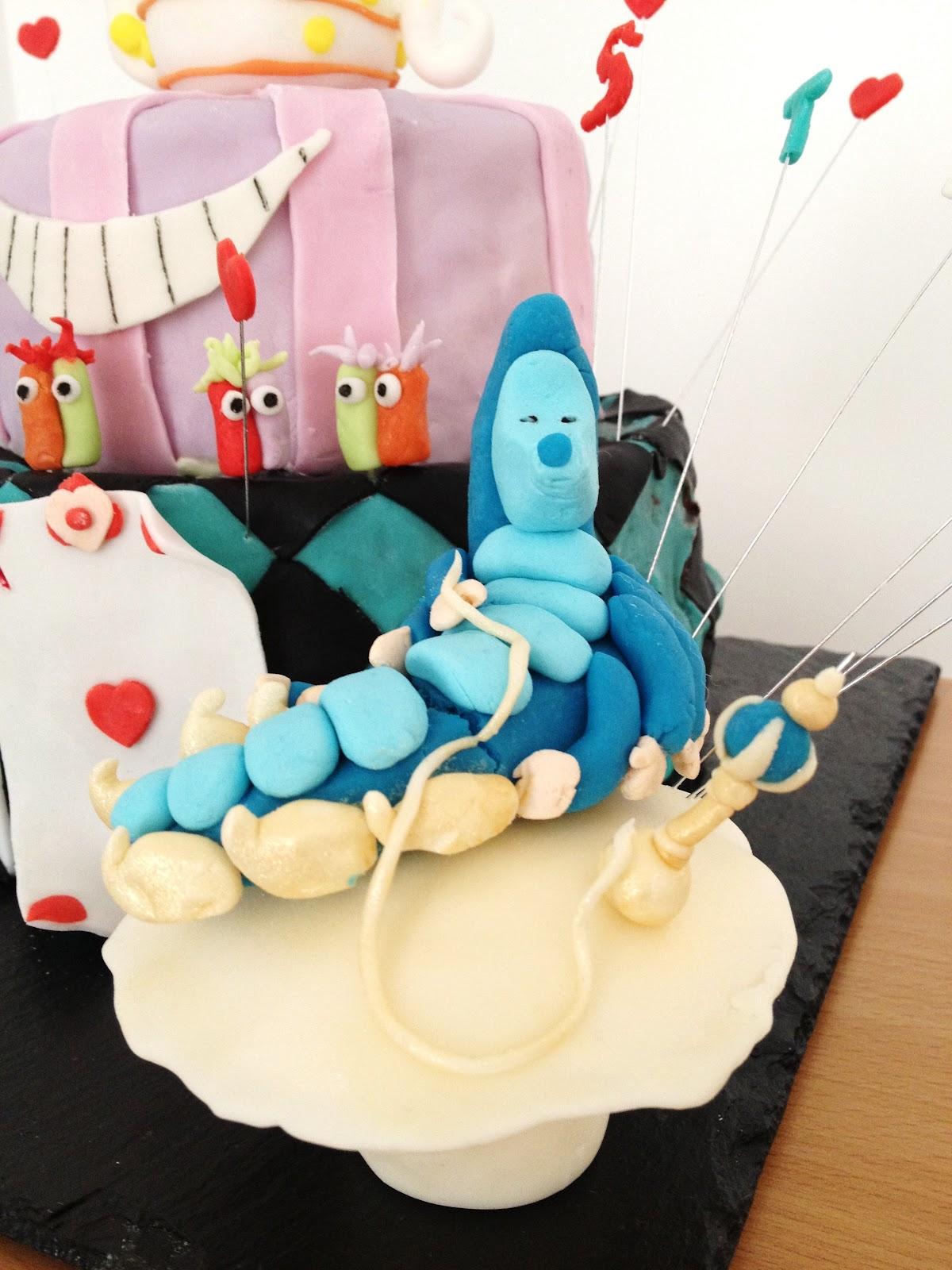 Gateau Alice Aux Pays Des Merveilles tout fabtastic cakes: gâteau alice au pays des merveilles