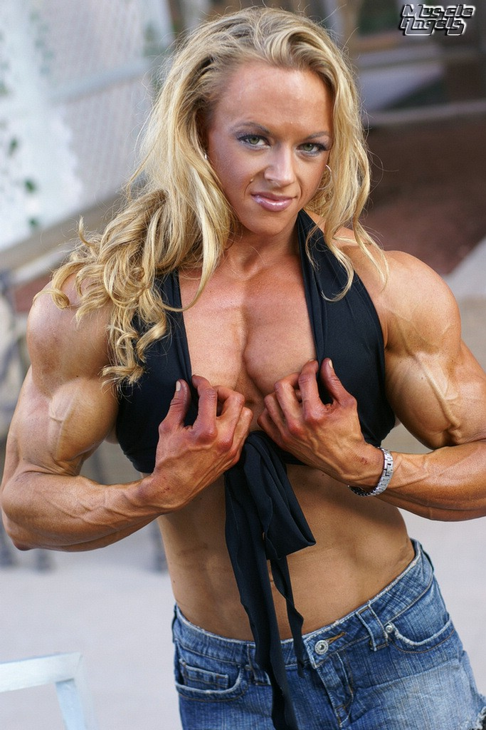 female muscle bodybuilder: