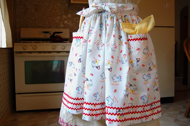 "One Yard ""Use-it-all"" Apron Pattern"